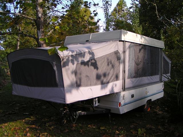 [Coleman Popup Camper[3].jpg]