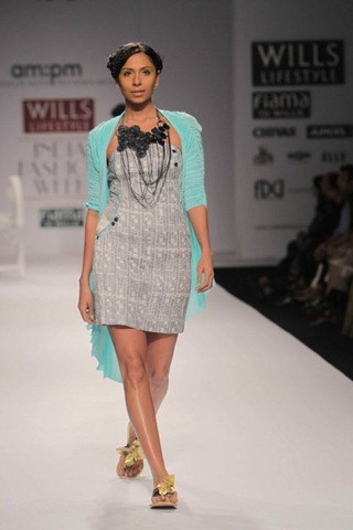 [WIFW SS 2011  am. pm by Ankur & Priyanka Modi (13)[6].jpg]