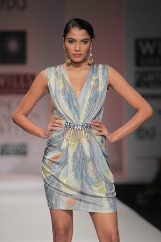 [WIFW SS 2011by Gayatri Khanna (2)[6].jpg]