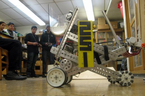 FTC 2011 Season Photos! Here are some photos of our progress so far this