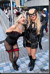 Lady-Gaga-Japanese-Fans-2010-04-18-033-P7365-600x903