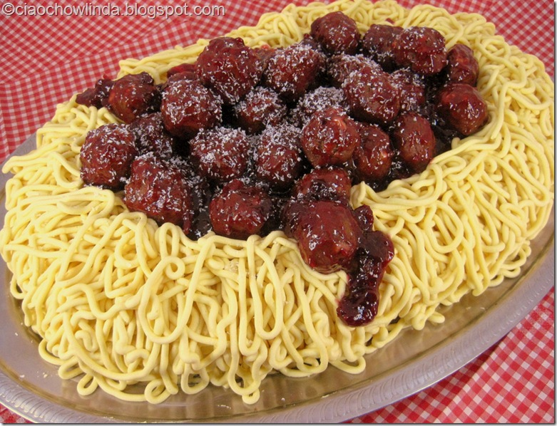 Meat-ball spaghetti cake