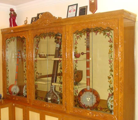 Cupboard for musical instruments