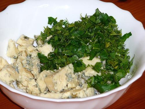 Сыр Стилтон и зелень