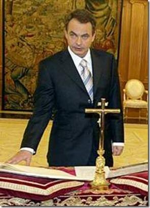 zapatero y crucifiko