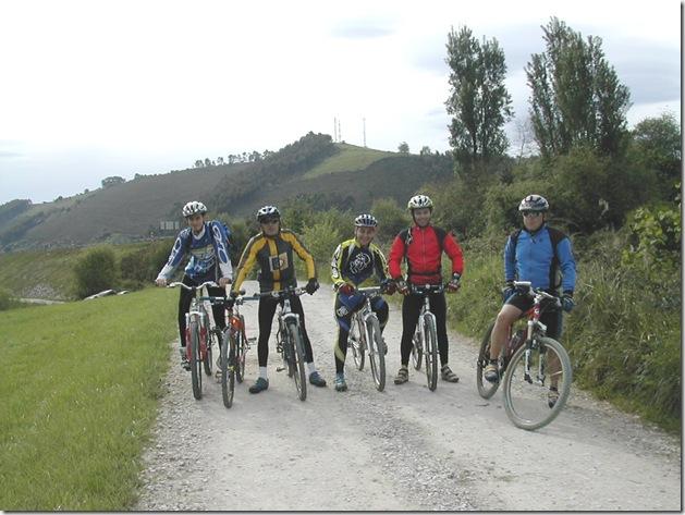 Grupo de ciclistas maliayes