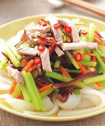 美食食譜-芹菜涼拌粄條