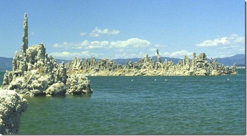 Mono-lake-tufa-1981-003