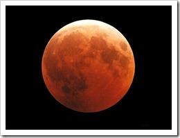 Eclipse Total de Luna podrá verse la madrugada de este martes en Perú [photo by josepcaireta]