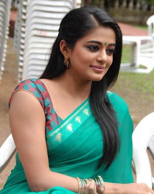 South Indian Actress Priyamani Hot Photo Navel Queens