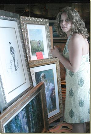 Img_9999-angie looking at art