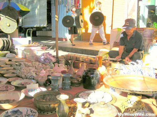 Antique gong and ceramic products