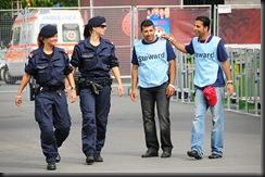 military_woman_austria_police_000005