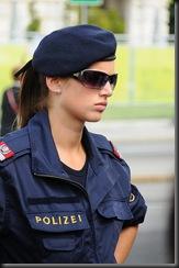 military_woman_austria_police_000011