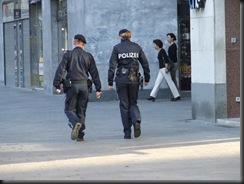 military_woman_austria_police_000044
