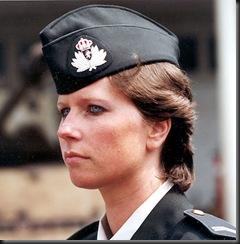 military_woman_belgium_army_000010