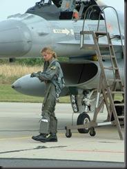military_woman_belgium_army_000019