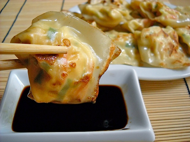 Lobster &amp; cream cheese wontons