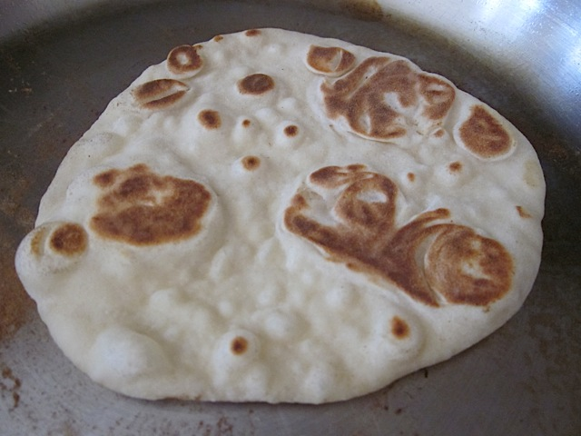 brown bubbles naan