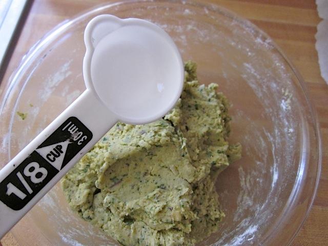 scoop falafel