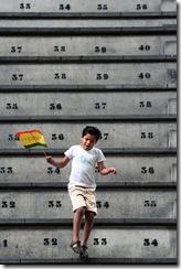 ADN Madrid.13/09/2009.Evo Morales en la cubierta de leganes . ©Sylvain Cherkaoui
