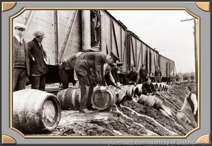 _321_Scranton_Police_Dumping_Beer_During_Prohibition_1920-33_PA.4[1]