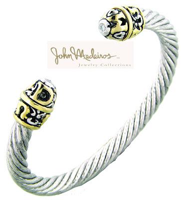 The Laurea bracelet is a cuff that features interchangeable ends.