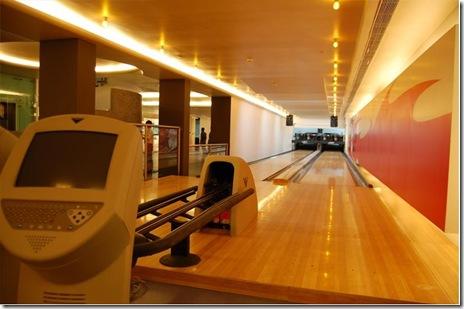 Blur Bowling