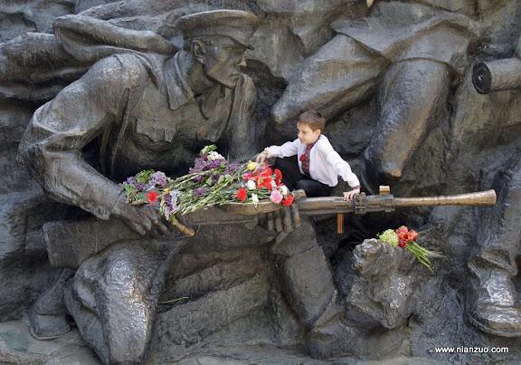 俄罗斯5月9日大阅兵 纪念碑