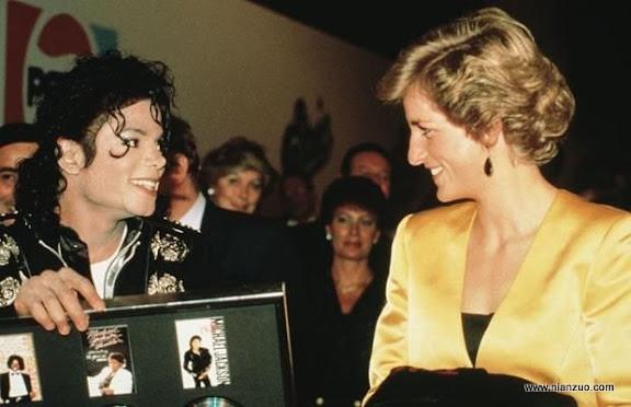 关于杰克逊 Diana With Michael Jackson...Princess Diana (1961 - 1997) with American pop star Michael Jackson at his concert for the Prince's Trust at Wembley, London, July 1988. (Photo by Princess Diana Archive/Getty Images),16084|D515|singer|Amerivan|pop,ACE,Huty,RYE,musician|Huty1608429|colour|Royalty|female|British|English|male