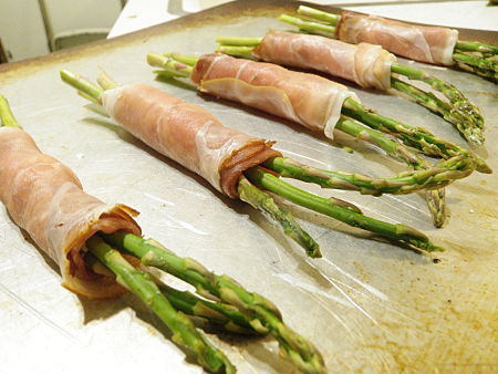 Prosciutto Wrapped Asparagus with Goat Cheese