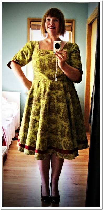 Silk and toile and twirling. A new dress.