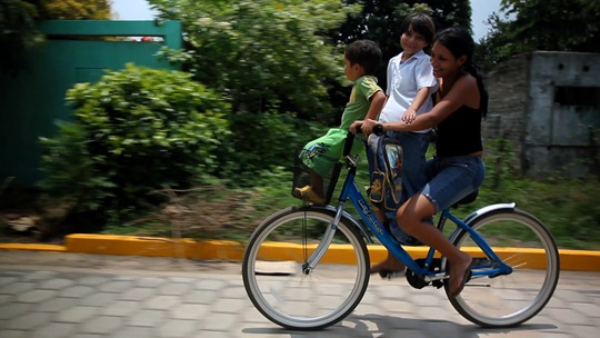 The Bicycle City film - Xiomara and kids