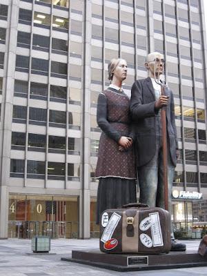 American Gothic statue - chicago public art