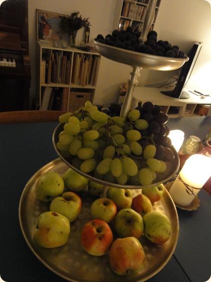 Blåbær, druer og æbler