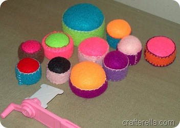 bottlecap pincushion bases