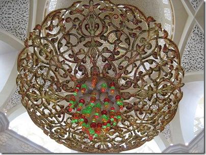 800px-Sheikh_Zayed_Mosque_inside_3