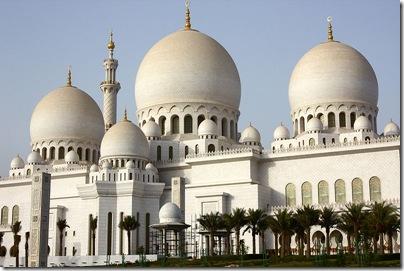 800px-Sheikh_Zayed_Mosque,_Abu_Dhabi