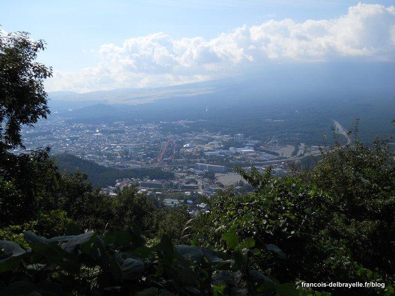 Mont Fuji, masqué par les nuages...