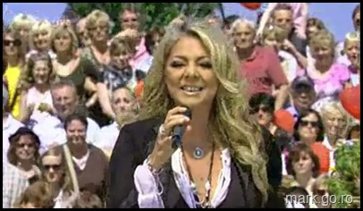 Sandra_feat_Thomas_Anders_-_The_Night_Is_Still_Young__ZDF_Fernsehgarten_10.05.20090072