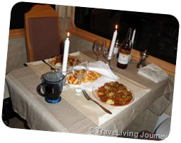 Shabbat Dinner Table