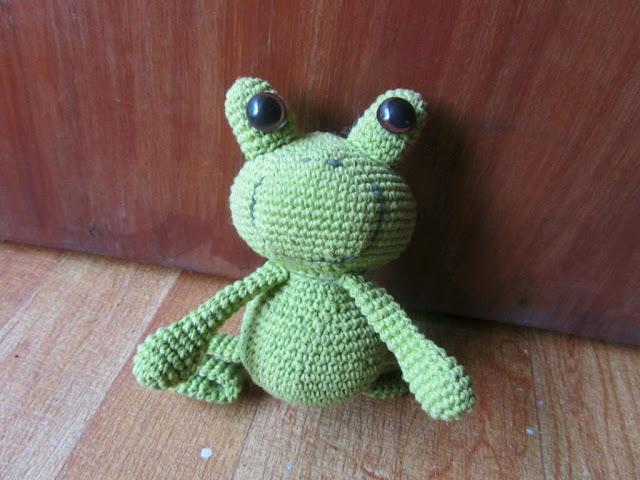 Amigurumi Green Frog : #18. Amigurumi Frog Twees Crafting Gift Project