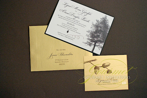Fall and leaf theme wedding invitations have long been very popular
