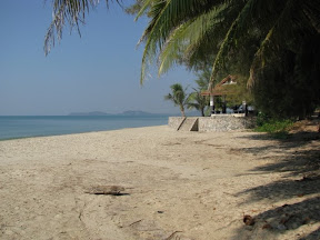 Mae Phim beach looking towards Koh Samet