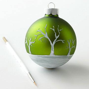 Bola com árvores brancas