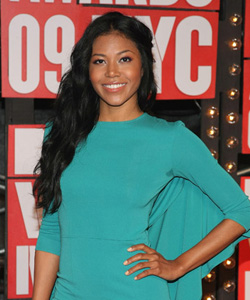 Amerie on the red carpet at the VMA's [image courtesy of Getty images and MTV]