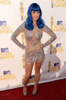 Katy Perry on the red carpet of the 2010 MTV movie awards | Photo