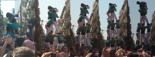 castellers en la Plaça de Sant Jaume
