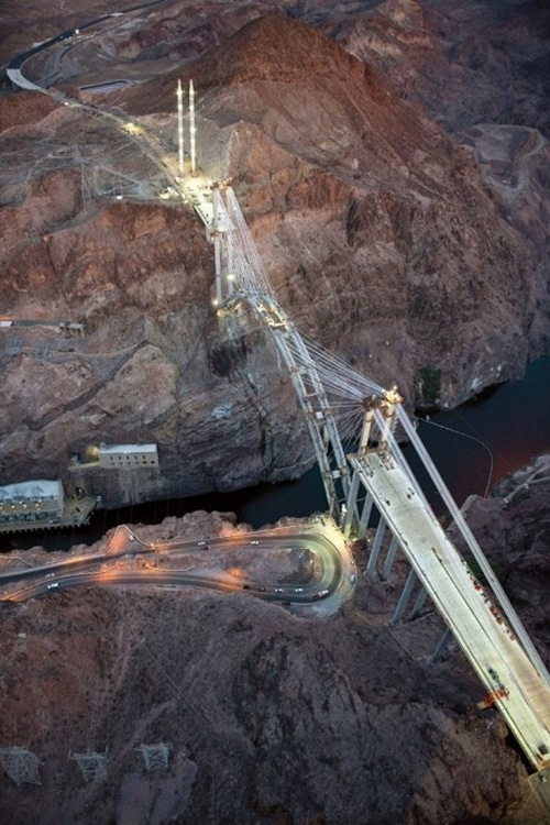 The-Hoover-Dam-Bypass-Bridge-5