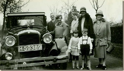 auto family with vintage car (2)